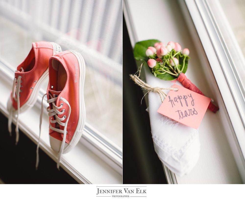_003 Converse wedding shoes.jpg