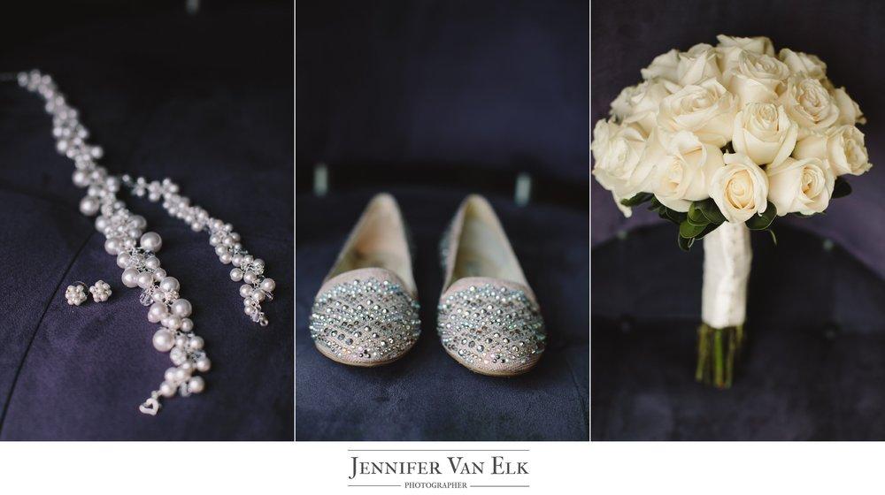 Cincinnati_001 Wedding Brides bouquet.jpg