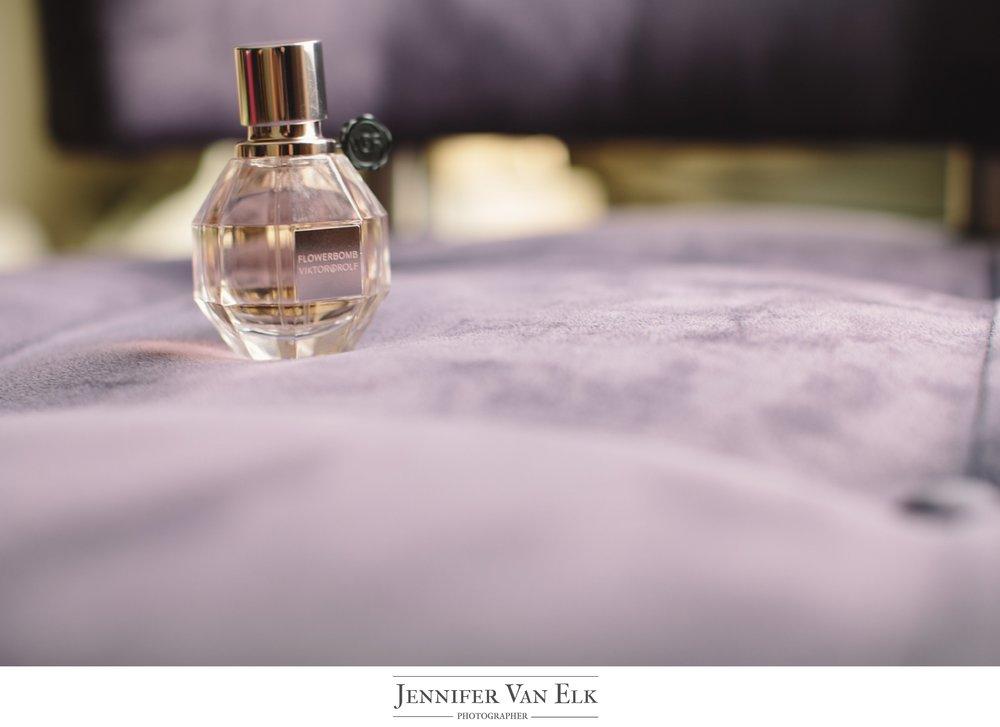 Cincinnati_009 Wedding Perfume.jpg