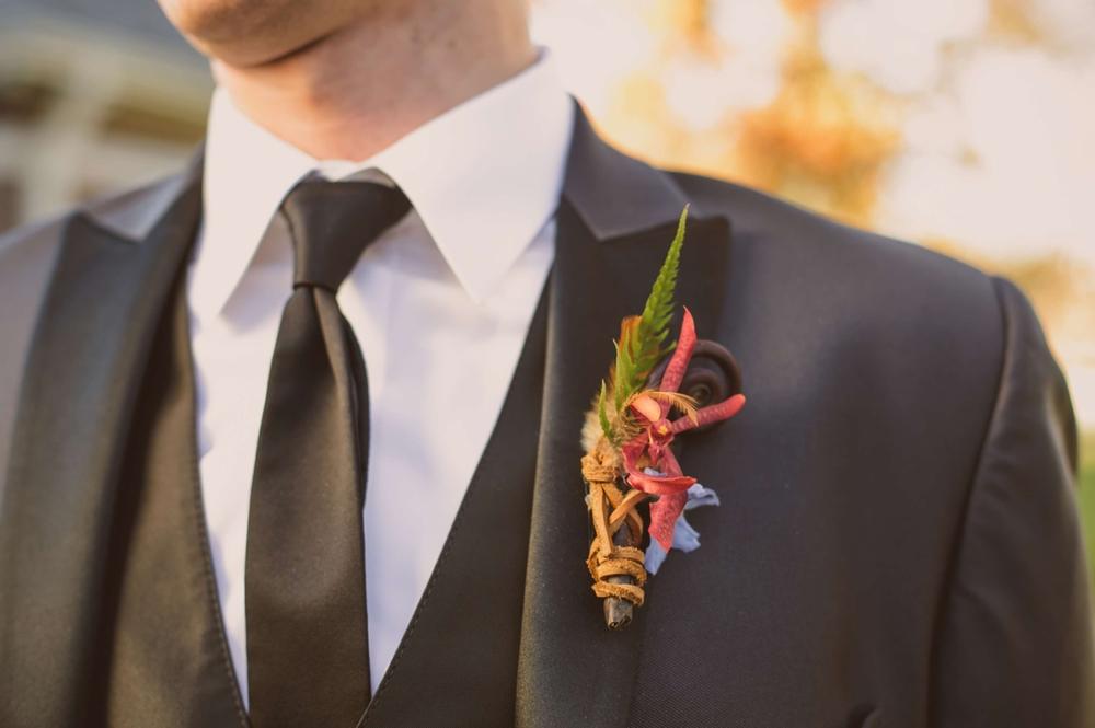 _038 groomsmen boutineer.jpg
