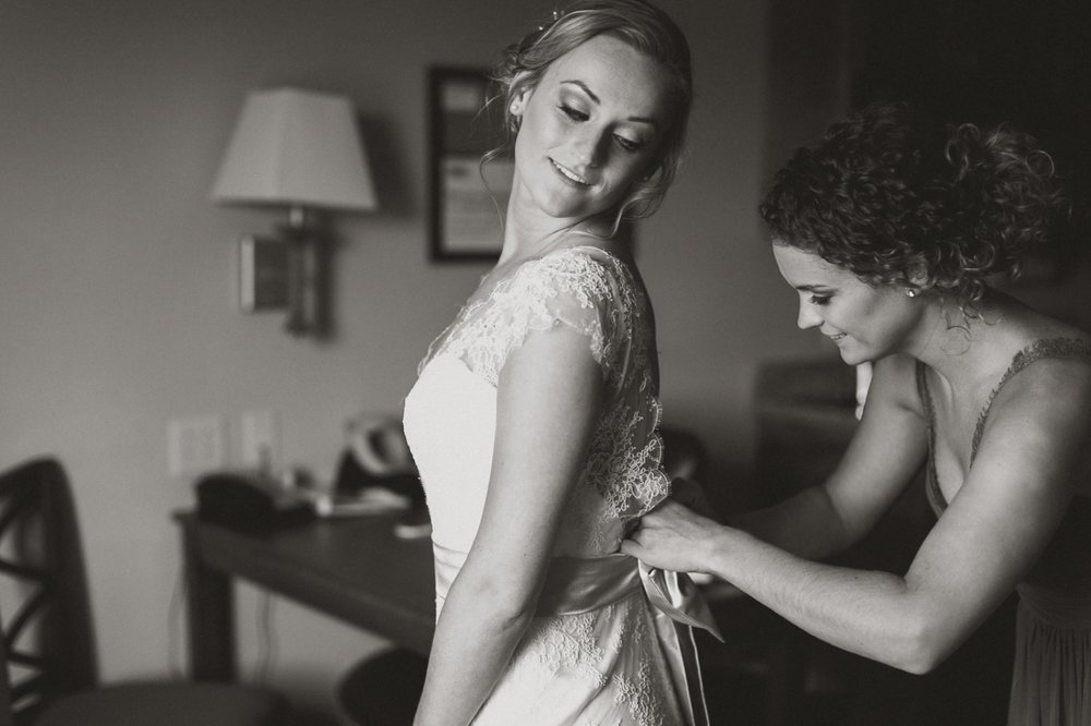 003 Bride getting ready indianapolis.jpg