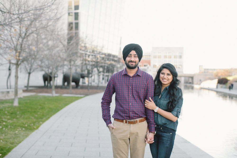 Downtown Indianapolis Engagement_003.jpg