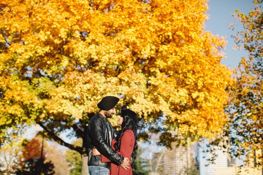 Downtown Indianapolis Engagement_007.jpg