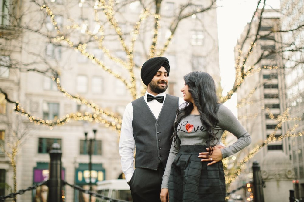 Downtown Indianapolis Engagement_013.jpg
