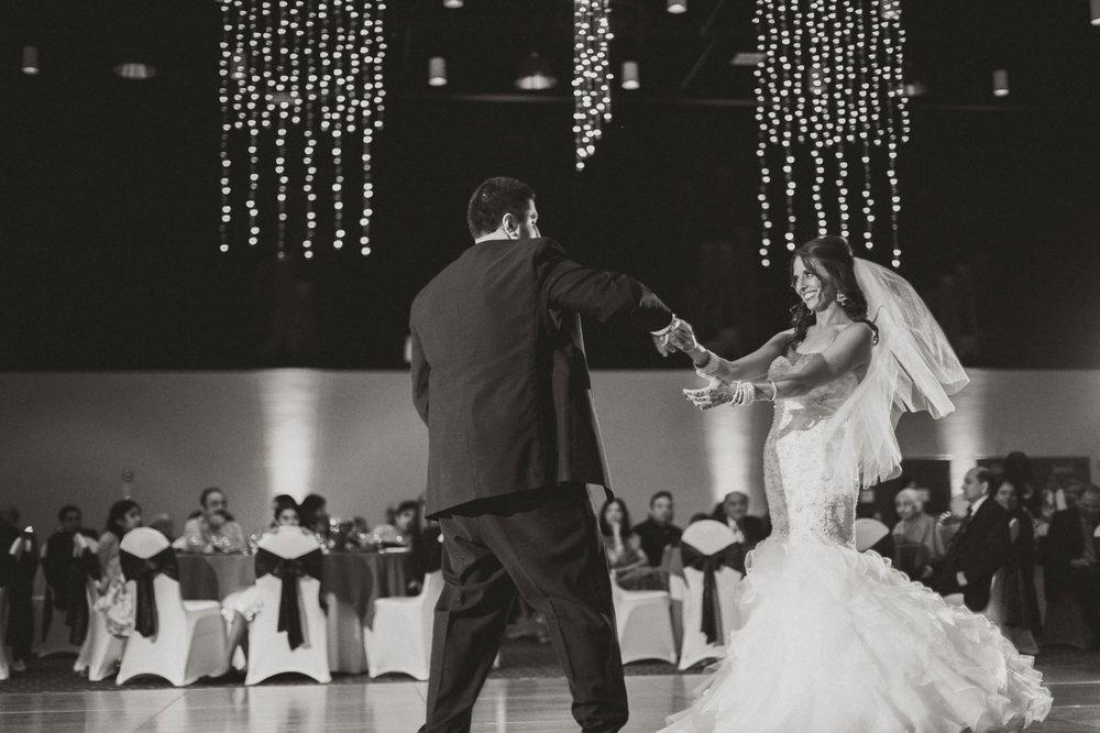 Muncie Indianapolis Indian Wedding Photographer_103.jpg