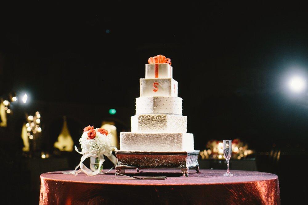 Indiana Roof Ballroom Wedding_071.jpg