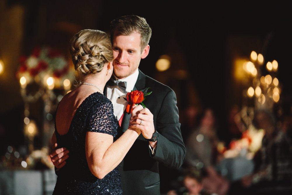 Indiana Roof Ballroom Wedding_095.jpg