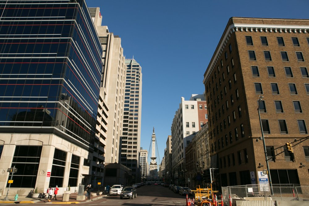 x a downtown Indianapolis wedding_001.jpg