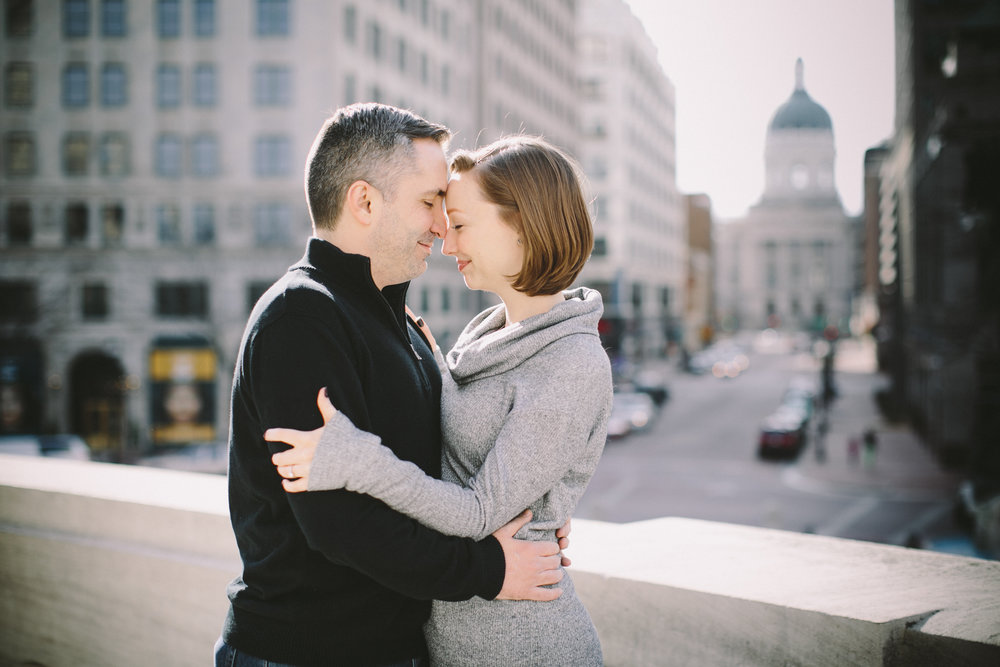 Downtown Indianapolis Engagement 03