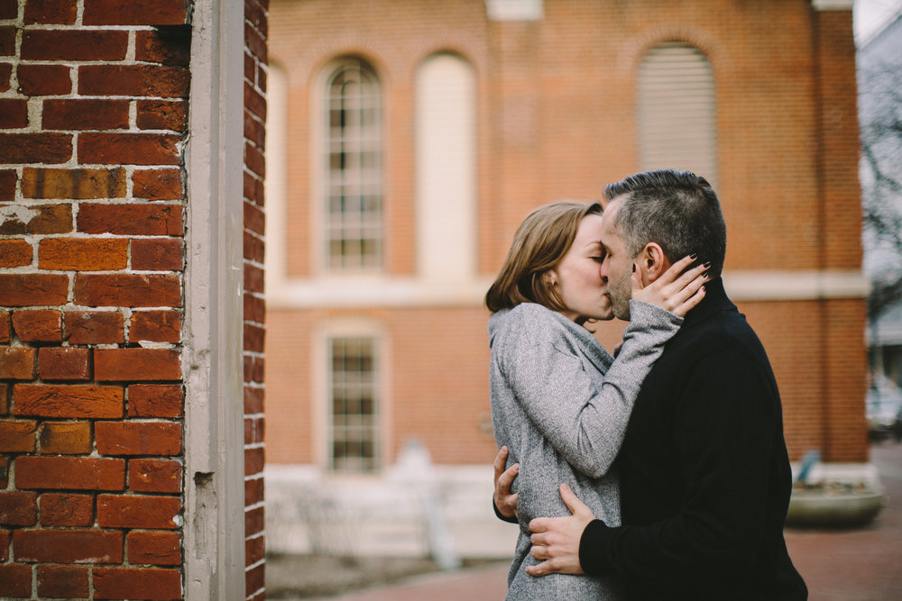 Downtown Indianapolis Engagement 19