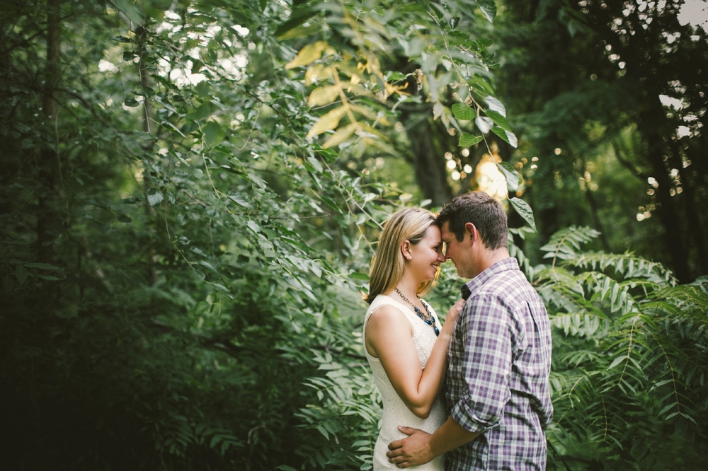 Indianapolis_Engagement_Session_013.jpg