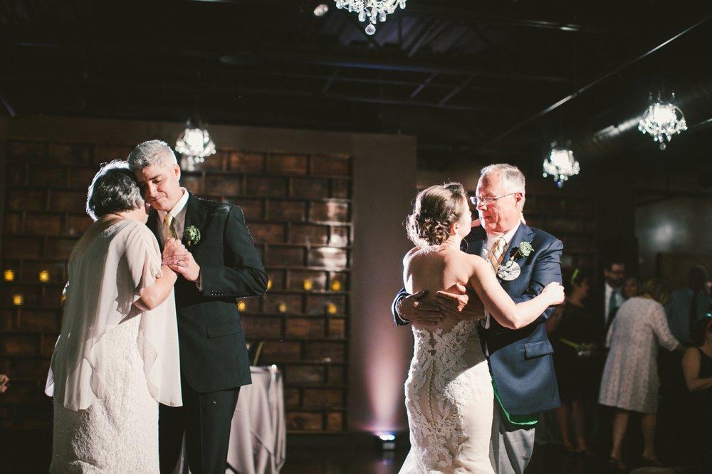 Indianapolis_Wedding_Photography_105.jpg