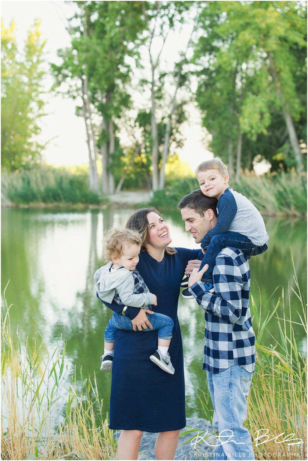 LochLomondUTfamilyPhoto_0002.jpg
