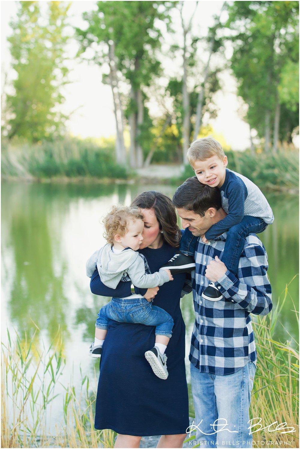 LochLomondUTfamilyPhoto_0005.jpg