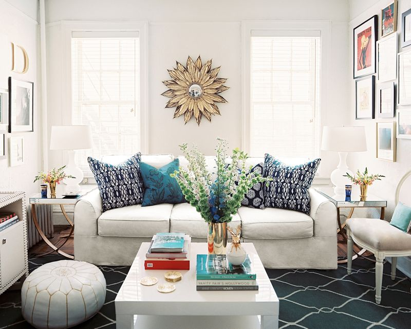 Blue pillows with rich, earthy colors to anchor the scheme. Photo cutesy of Daniel M. Pafford Interior Design via Lonny Magazine