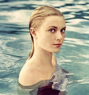 Grace_Kelly_water.jpg