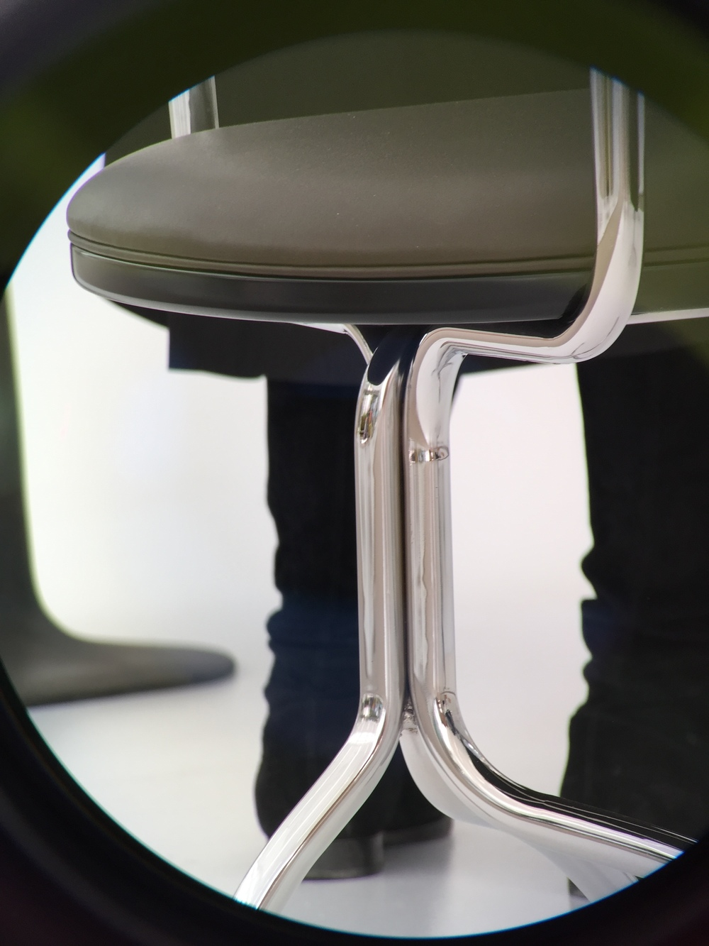 Mergentime Chair by Friedrich Kiesler, Wittmann Digiscoping by Georg Œhler via Swarovski Optik ATX