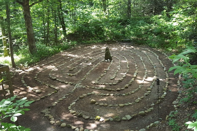 20160826_111533_001-Overview-of-Labyrinth-min.jpg