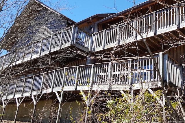 20160416_120240-Lodge-Mountain-Side-View-min.jpg