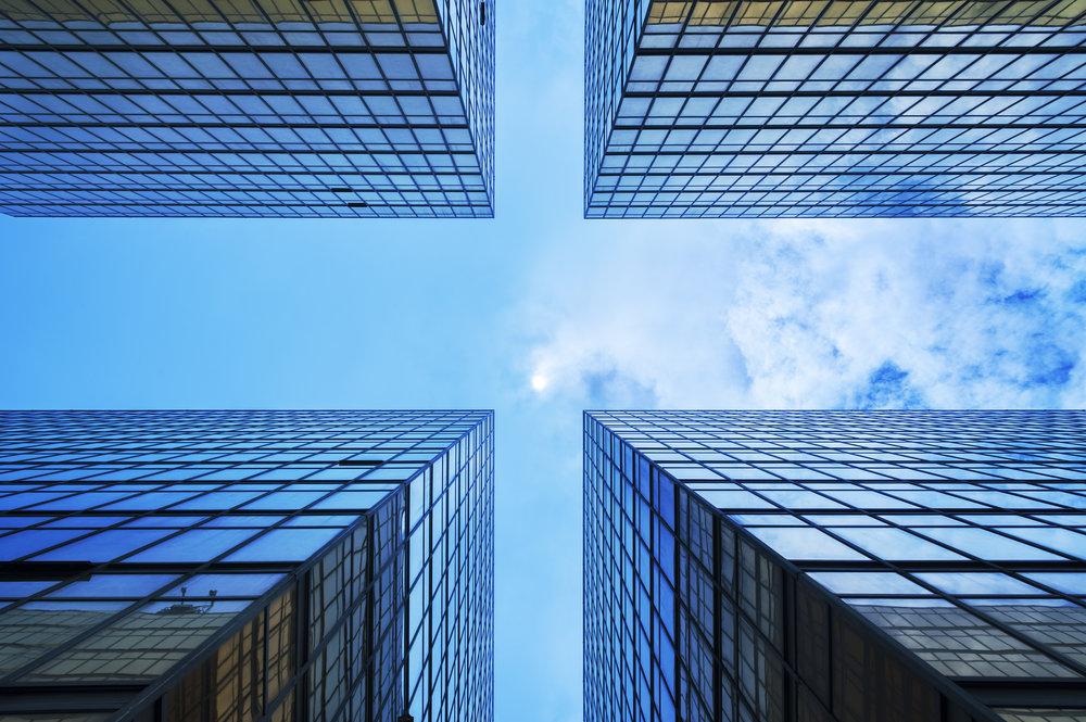 Verdivurdering - Ved salg av eiendom foretar vi en vurdering av eiendommens verdi. Elementer i verdivurderingen er kontantstrøm, avkastningskrav, teknisk tilstand, markedsleie, kontraktlengde, eierkostnader, m.v.