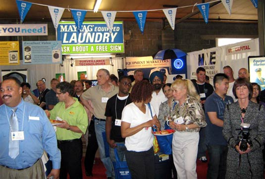ts10_crowd2_05-10-2010.jpg