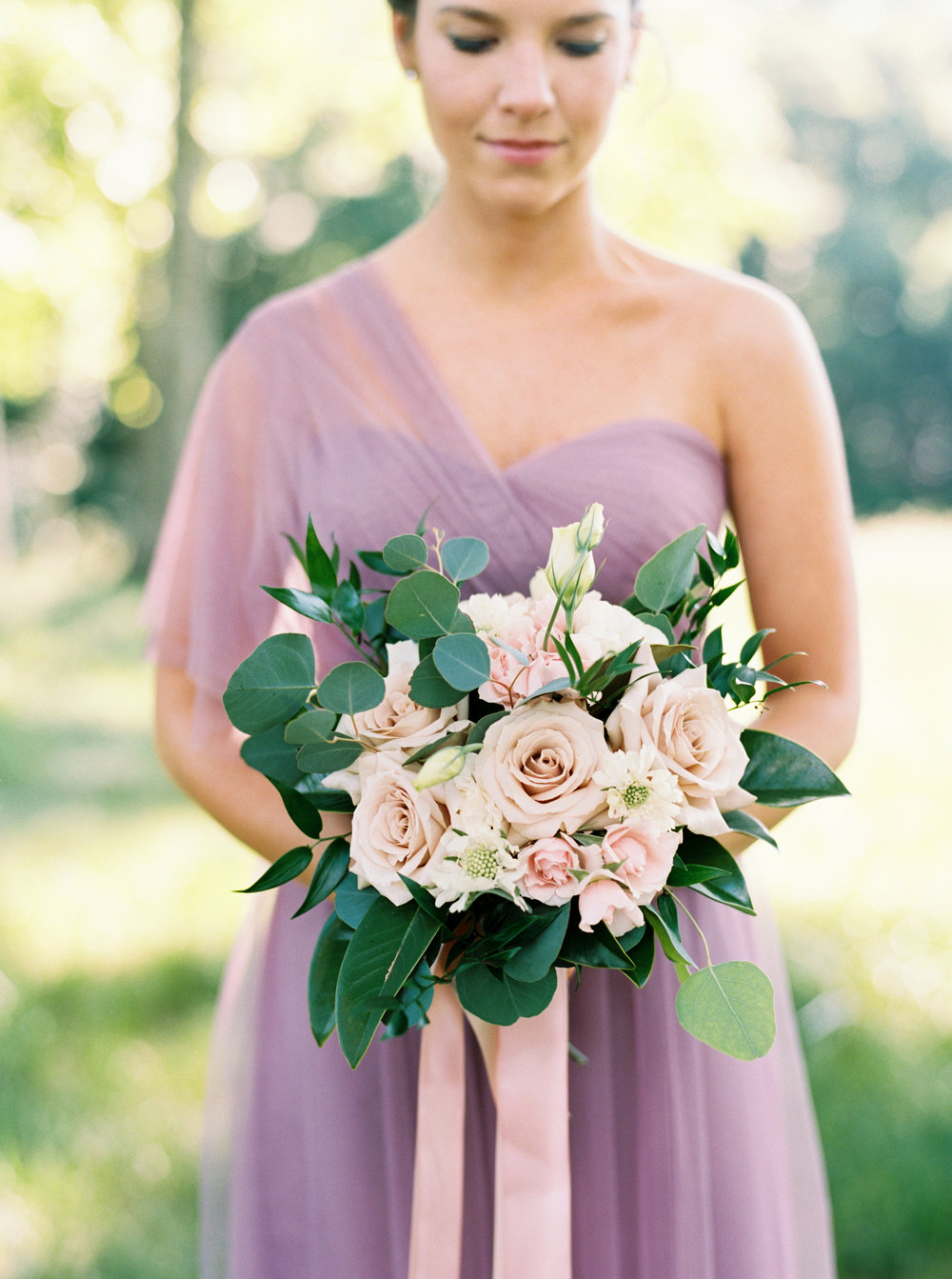 Bridesmaid Bouquet with Magnolia and Quicksand Roses