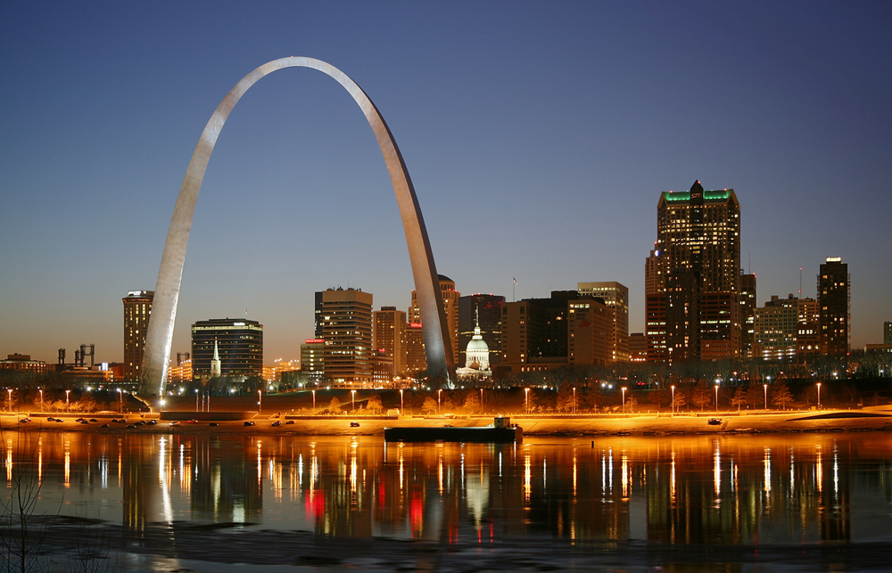 St_Louis_night_a.jpg