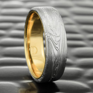 fine wood mens flat woodgrain damascus wedding ring with 14k yellow gold liner - Damascus Wedding Ring