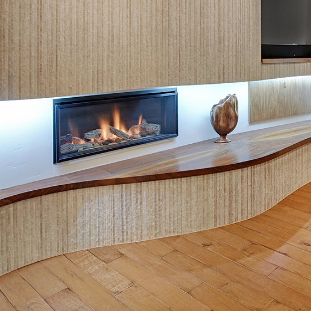LOS MOLINOS CURVACEOUS FIREPLACE.jpg