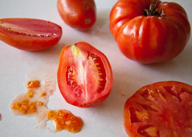 Plum+%2526+Globe+tomatoes-19.jpg