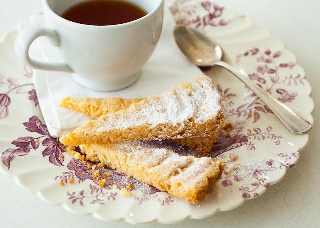 gluten+free+shortbread+++tea.jpg