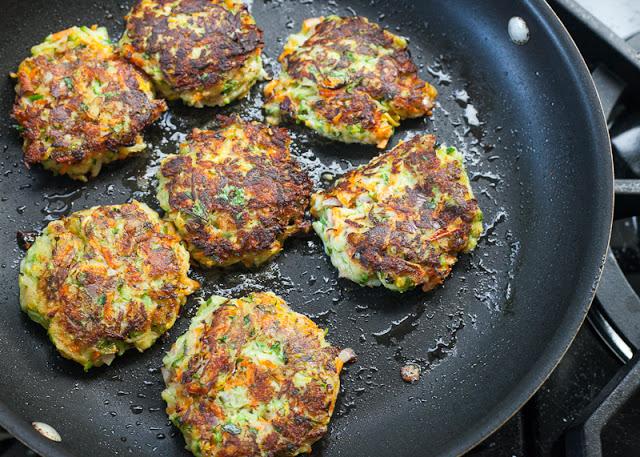 Zucchini+cakes+in+frying+pan.jpg