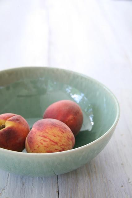 bowl+of+peaches.jpg