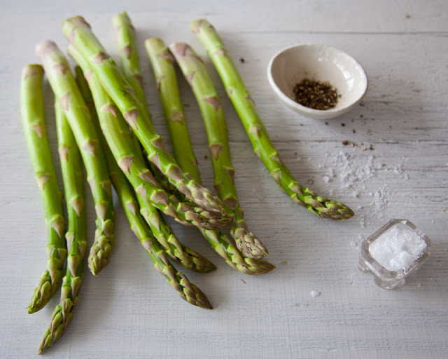 asparagus+and+salt-2.jpg