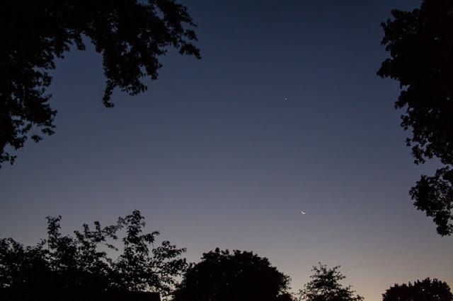 Early++morning+moon.jpg