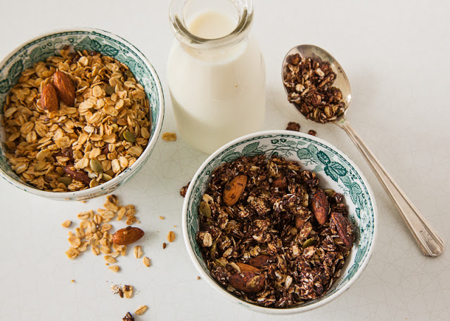 Vanilla (or chocolate) almond granola