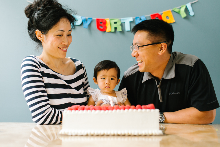 seattle-family-photographer-celebrating-amelia-first-birthday (11 of 13).jpg