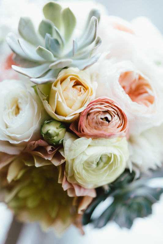 bash-studio-wedding-boston-flowers-bouquet