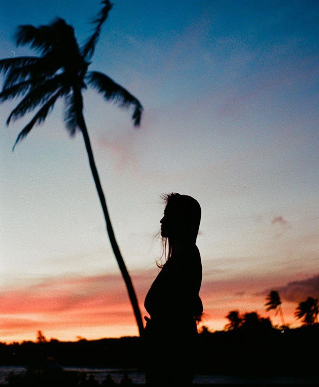 FILM & sunsets when friends are in town. Pc @brooklynhawaii
