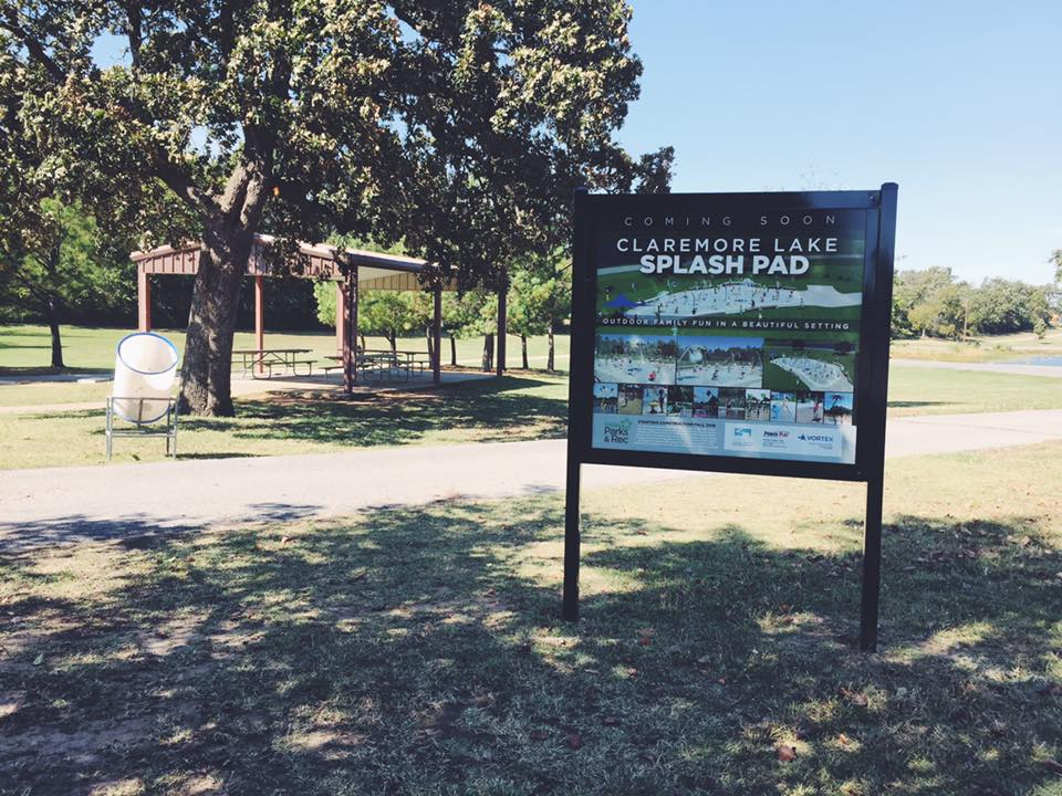 CLAREMORE LAKE SPLASHPAD // COMING SOON SIGNAGE Promotional SIGNAGE WAYFINDING TEMPORARY SIGNAGE COMMERCIAL SIGNAGE REAL ESTATE SIGNAGE