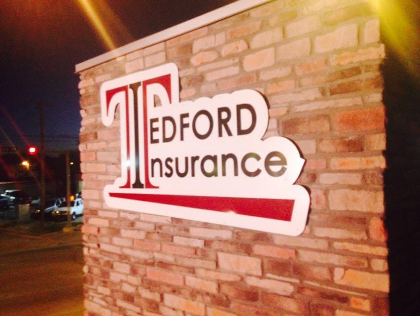 TEDFORD INSURANCE // WALL SIGNAGE FLAT CUT CUSTOM SHAPE STANDOFF MOUNT IDENTITY SIGNAGE