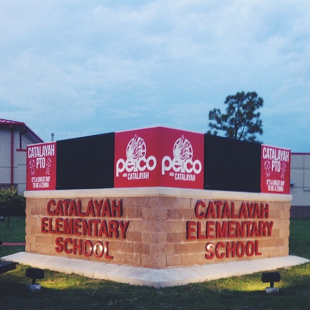 CATALAYAH ELEMENTARY SCHOOL // MONUMENT SIGNAGE    ELECTRONIC MESSAGE CENTER FLush MOUNT EXTERNAL LIGHTED DIMENSIONAL LETTERING CAST ALUMINUM LETTERING IDENTITY SIGNAGE