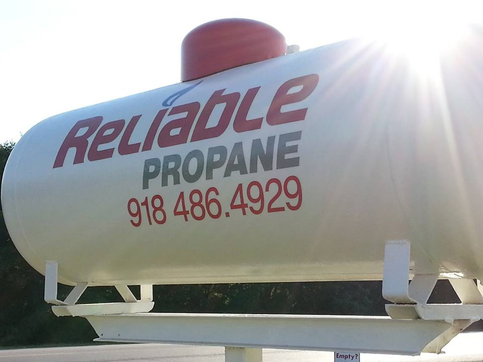 RELIABLE PROPANE // IDENTITY SIGNAGE   ENVIRONMENTAL PYLON SIGNAGE BRANDING