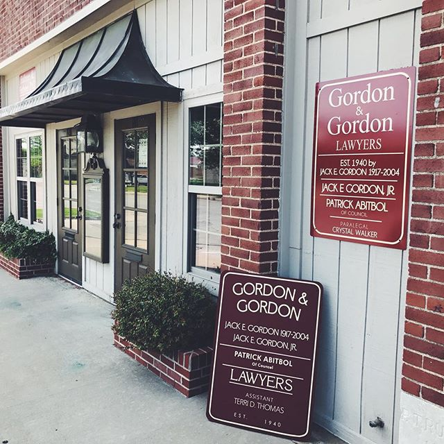 While replacing their sign at Gordon & Gordon, we couldn't help ourselves. We had to ogle over one of their original window letterings in gold leaf hanging in their lobby. Some legit hand work done here over the years.