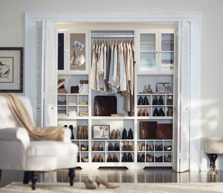 Reach In Closet Design