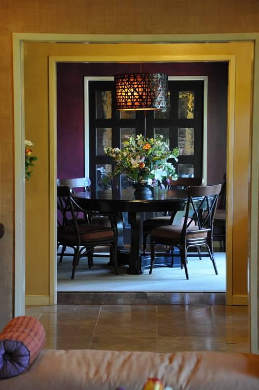 Enter to dining room