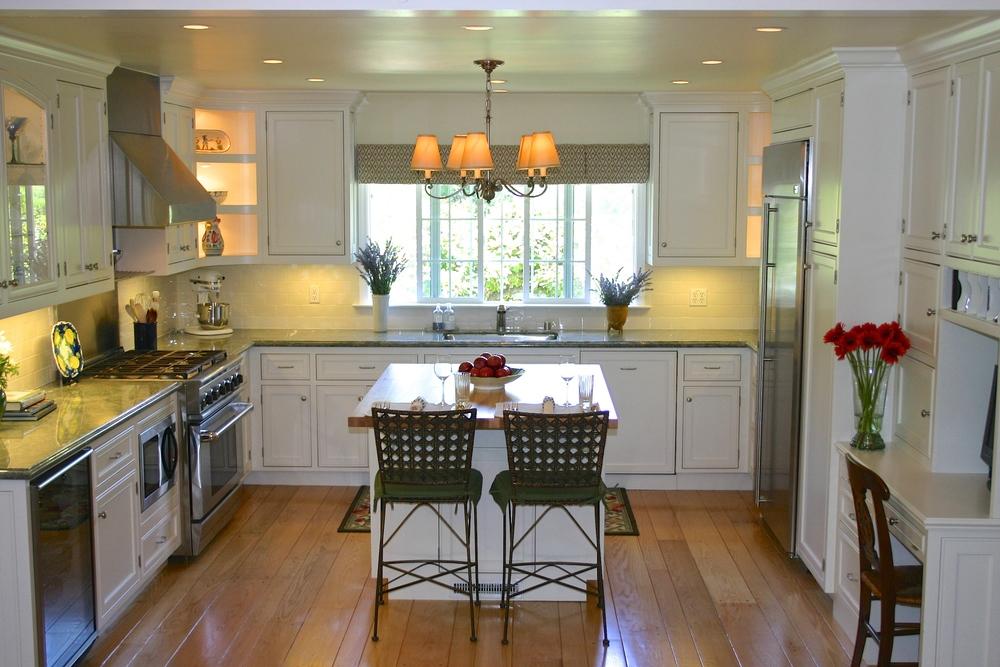 White kitchen island bar chairs