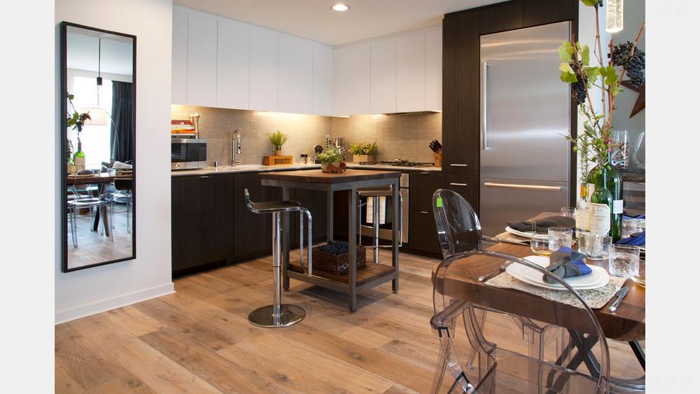 SF Bachelor Pad Kitchen