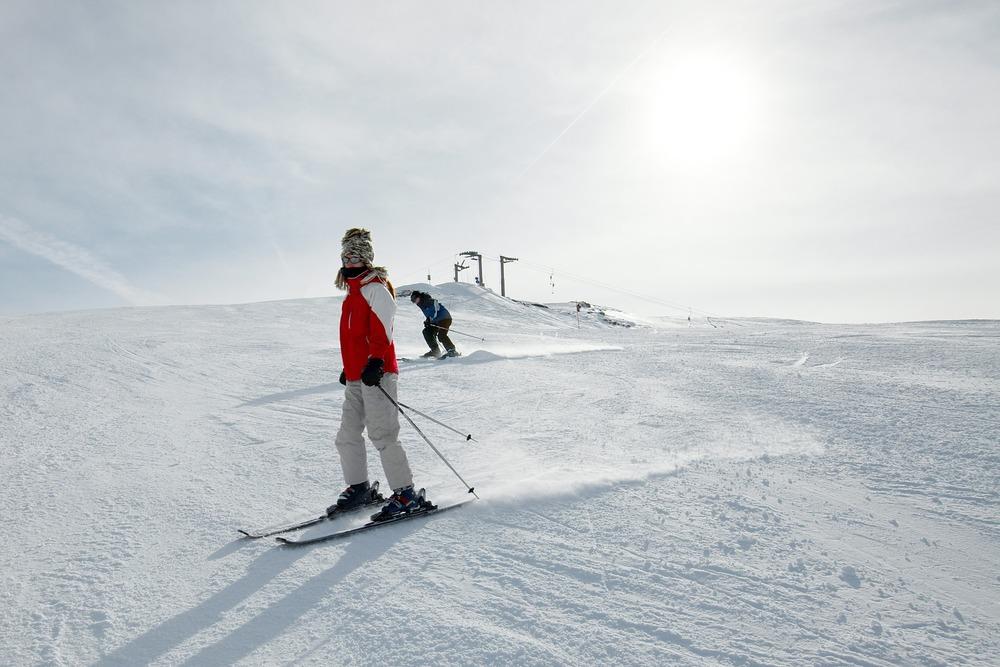 photodune-3025425-skiing-m.jpg