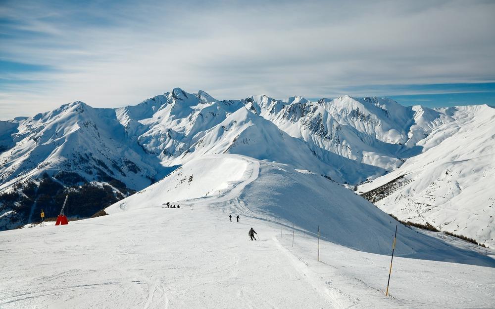 photodune-2407317-skiing-m.jpg